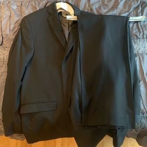 100% Wool Calvin Klein 2Piece suit